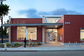 Exterior photograph of South Branch / Tarea Hall Pittman Library