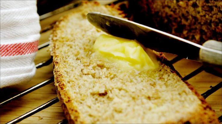 Grovbrød - Det er ingenting som slår ferskt hjemmelaget brød, og det er absolutt verdt tiden! Oppskriften er for 2 stk brød