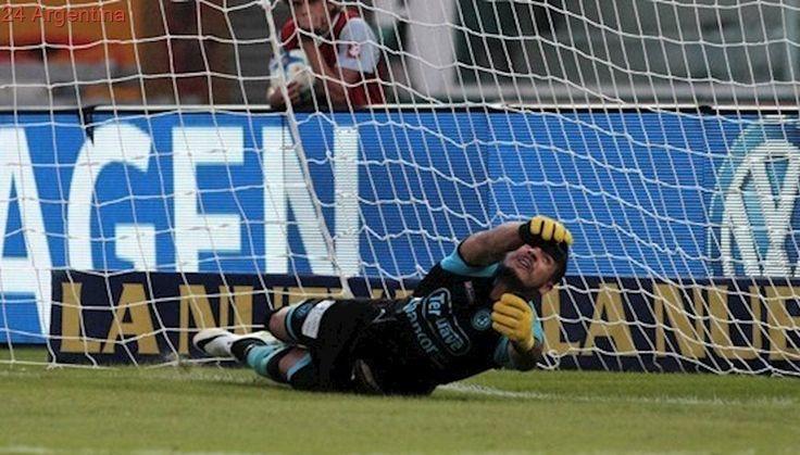 Acosta se lució en los penales y Belgrano avanzó con sufrimiento