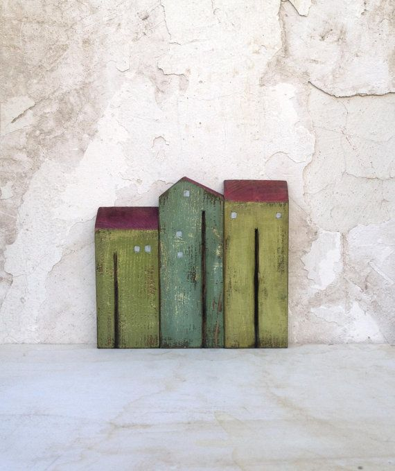 "Set of 3 recycled wood ""old look"" houses , painted with acrylic colors, varnished with clear waterbased varnish - HOME DECOR"