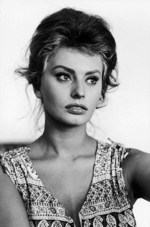 Sophia Loren in Italy, 1961. Photo by Alfred Eisenstaedt.
