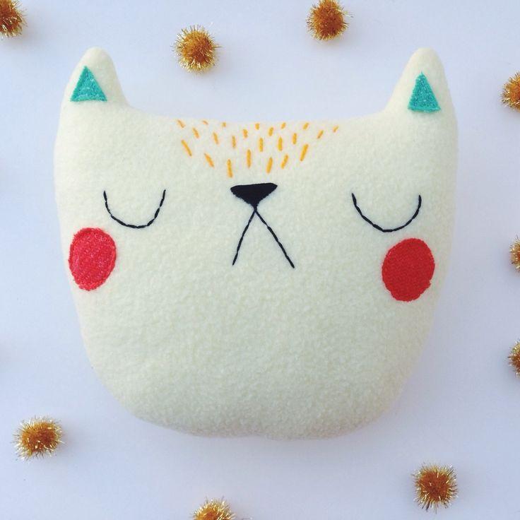 cat pillow :: sleepy king