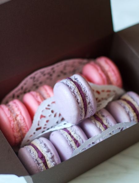 Macarons with Strawberry and Black currants Buttercream