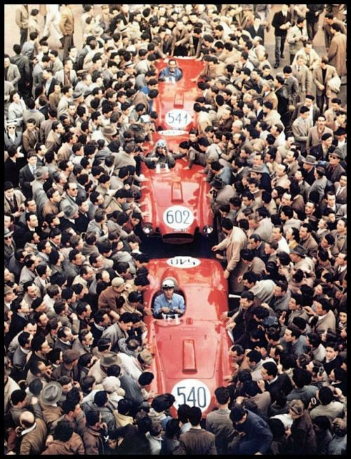 Mille Miglia 1954. Lancia D24 Castellotti (540), Ascari (602) vincitore, Valenzano (541).
