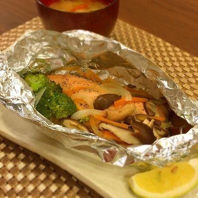 ふっくら焼ける♡鮭と野菜のホイル焼きと肌のターンオーバー by ゆあな ...