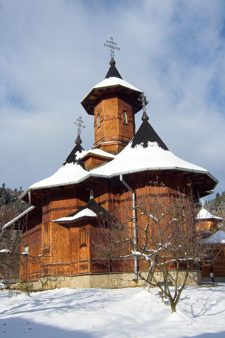 Agapia, Romania www.haisitu.ro