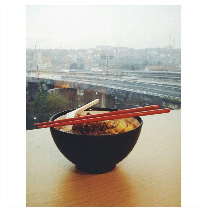 Ramyun Kimchi - view to Pasopati flyover