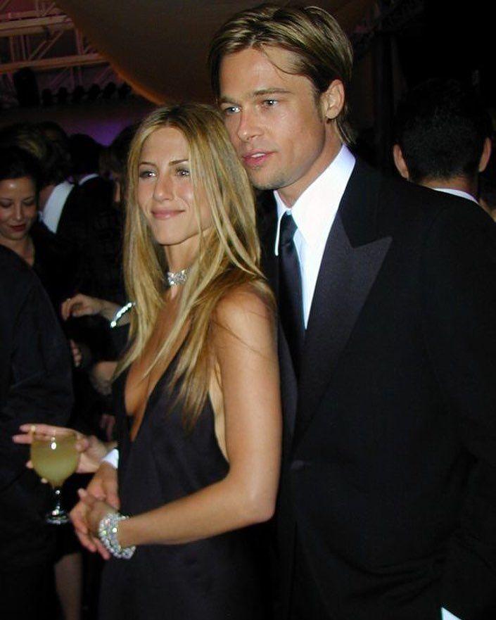 Brad And Jen Bradpitt Jenniferaniston Paris France Dress Stylish Style City Oot Jennifer Aniston 90s Brad Pitt Jennifer Aniston Brad And Jen