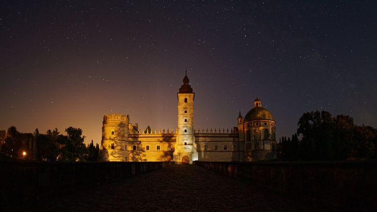 https://flic.kr/p/Q4Gphz | Krasiczyn Palace, Poland | www.facebook.com/buenavistaschodzinski