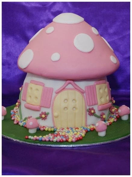 Pink Toadstool cake [photo only]