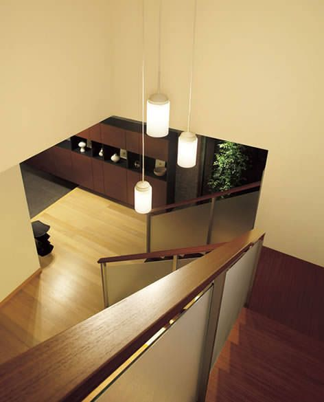 階段 吹き抜け用 乳白消しガラスペンダント DAIKO (吹き抜け)