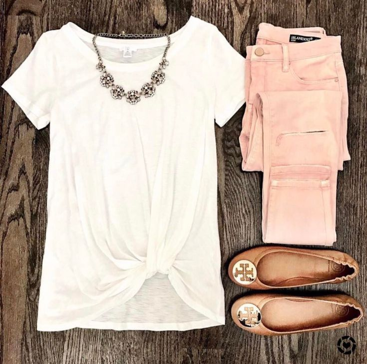 Blush Pink Jeans and BP white twist front pre knotted tee. Tory burch cognac and gold minnie travel flats and baublebar statement necklace. Casual Spring weekend look.
