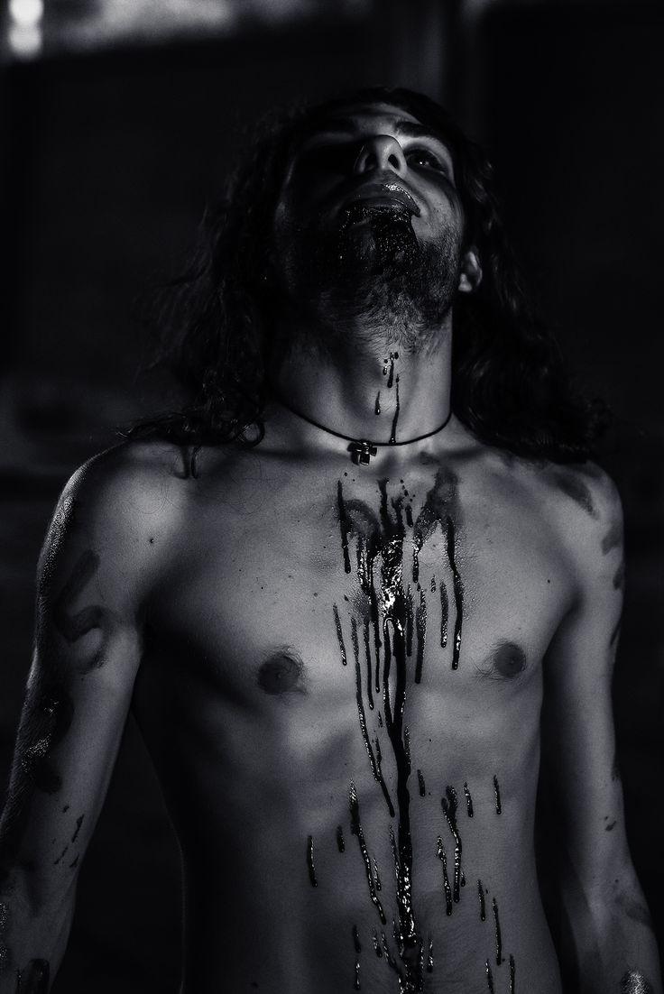 """Agaliarept, uno dei personaggi principali di """"La Stirpe di Belial"""". (Foto Davide Ederle, modello Enrico Pacella)"""