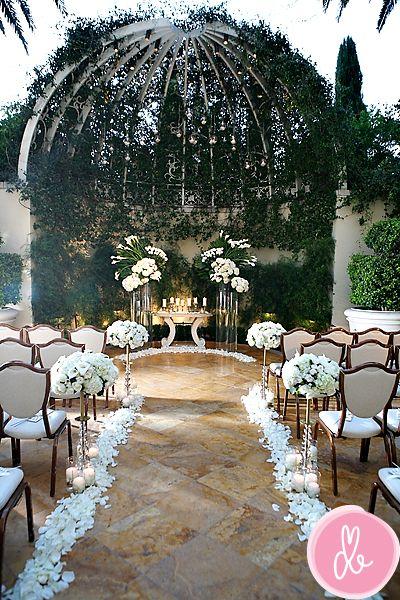 Primrose Courtyard At The Wynn Their Wedding In Sunshine