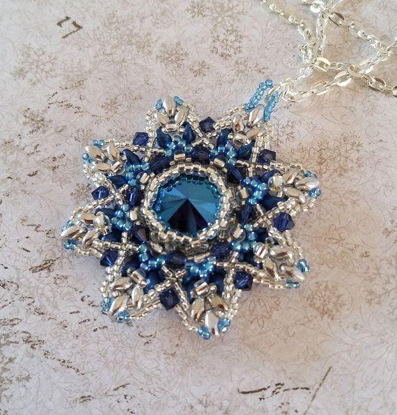 Blauwe ster hanger Blauwe 'Crossing Stars' door HoneyBeads1Official
