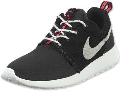 Nike Roshe Courir Schwarz Le Rose De La Jeunesse jeu grand escompte eastbay pas cher d'origine à vendre hbN0uPog