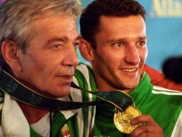 Kovács István / Ökölvívópályafutása -  Versenyszám: Légsúly, Harmatsúly; Klub: EVIG SE (1985–1988), Vasas SC (1988–1997), Universum Box-Promotion (1997–2002); Edző: Wallenhofer Zoltán, Bódis Gyula Fritz Sdunek; Amatőr mérlege: 287 mérkőzés: 268 győzelem; Profi mérlege:23 mérkőzés: 22 győzelem (11 KO), 1 vereség (KO).