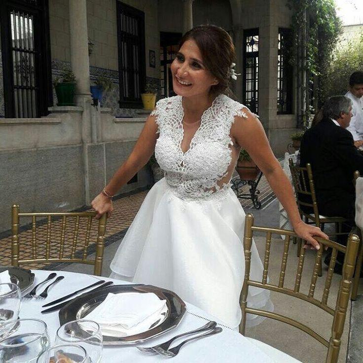 Novia civil  #bodas #brides #bridal #organza #lace #tulbordado #wedding #weddingphotografer #instaphoto #matrimonio #prettydress #vogue #weddinginspiration #whitedress #bridaldress #bridalgown http://gelinshop.com/ipost/1522278782618340338/?code=BUgOHzHFIvy