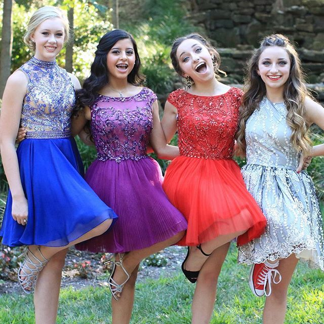Brooklyn, Bailey, Faith and Alison look beautiful before going to homecoming