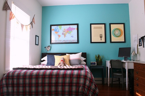 17 best ideas about small bedroom arrangement on pinterest - Small bedroom furniture arrangement ...
