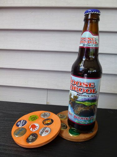 Homemade coaster that kids can make using bottle caps and Plaster of Paris, easy project. Good guy gift for Father's Day, Birthday or Christmas.