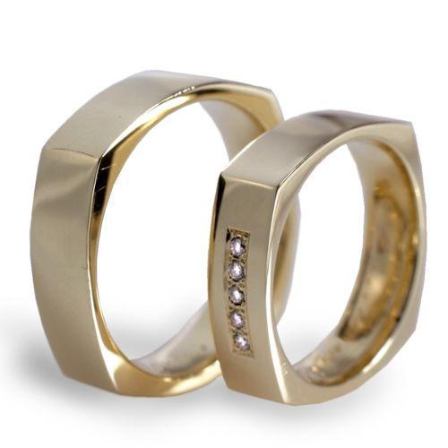Obrączki ślubne kwadratowe z żółtego złota z brylantami o masie 0,05 ct. Próba 0,585