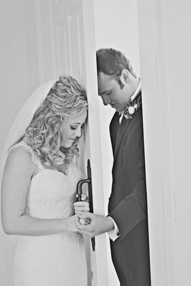 Traditional Clic Photo Of Bride And Groom Praying Together Before The Ceremony In Keeping
