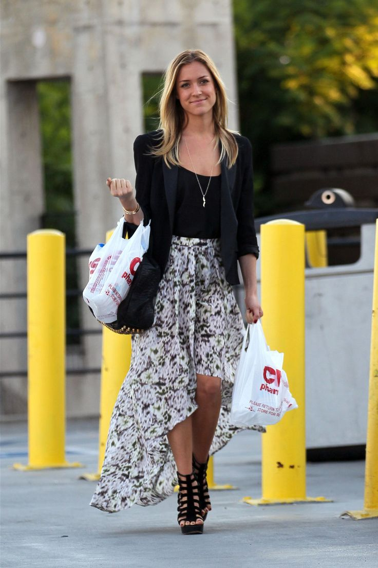 Flowy skirt and strappy sandals kristincavallari