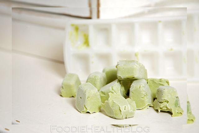 Nooit meer een overrijpe avocado weggooien! TIP: vries ze in!!  https://foodiehealthblog.wordpress.com/2014/09/30/avocado-invriezen/