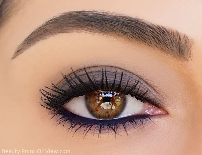 A delicate and sophisticated approach to the smokey eye.