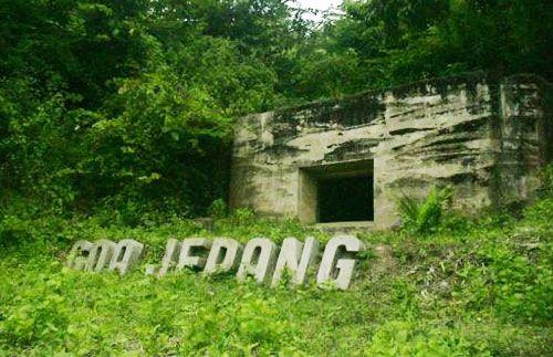 Nikmati serunya wisata Goa Jepang & Tebing Keraton di kota Bandung hanya Rp 199.000 (sudah termasuk Transport, Restribusi Tempat Wisata dan lain-lain)