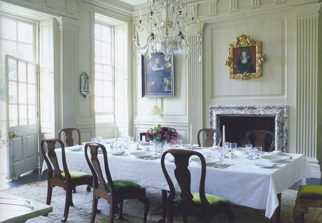English styled paneling. World of Interiors. Photo - Tim Beddon.