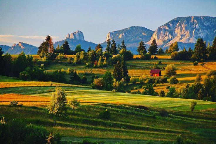 Fodor István  #sunset  ℹ Facebook: http://bit.ly/2t9GcN8 -------- #boostingromania #promovezromania #ig_romania #transylvania #romaniamagica #szeklerland #nature #beautiful #landscape