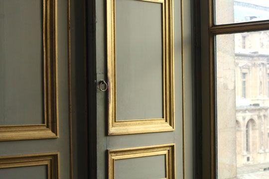 Fenêtre moulure dore