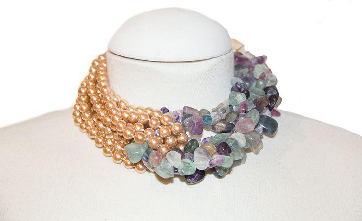 Perla de cristal dorada con fluorita