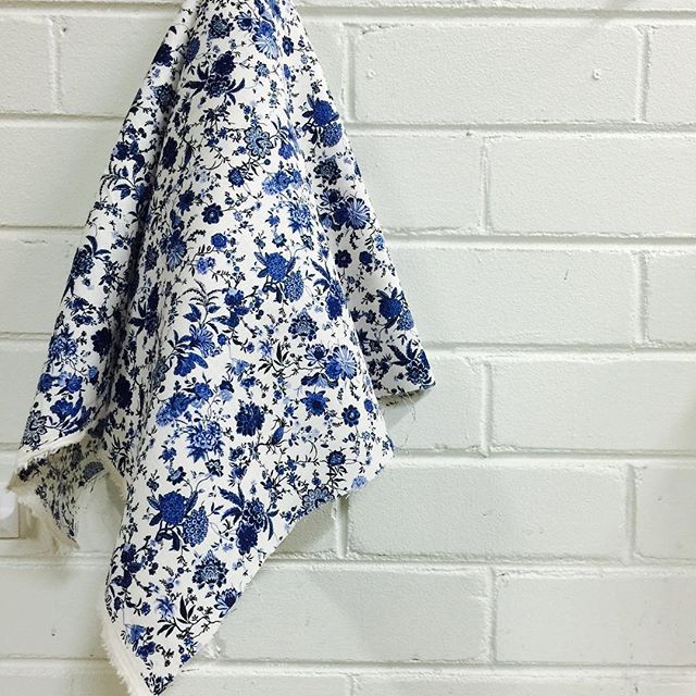 We have this pretty little blue and white linen in store today #fabric #textiles…