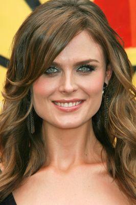Emily Deschanel (alias Temperance Brennan) She's so pretty. :)