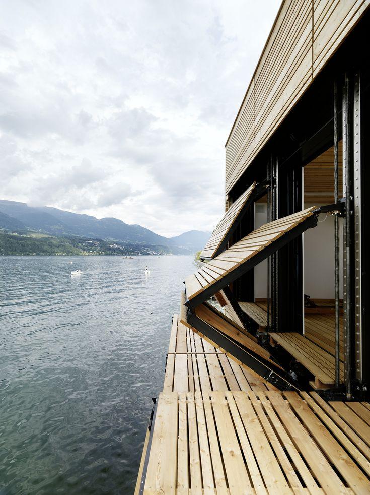 Folding facade / terrace