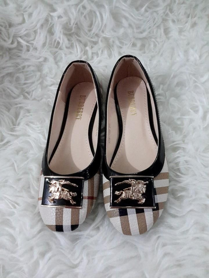 Sepatu flat burberry import hongkong Type 128-738-522 Uk 35 - 40 Hrg @225 Hp/wa 087825743622