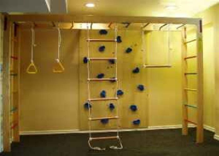Diy kids indoor rock wall indoor rock walls and kids gym for Diy jungle gym ideas