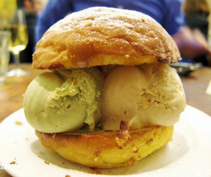 Resep Burger Ice Cream Praktis Sendiri Dirumah http://dapursaja.blogspot.com/2014/12/resep-burger-ice-cream-praktis-sendiri.html