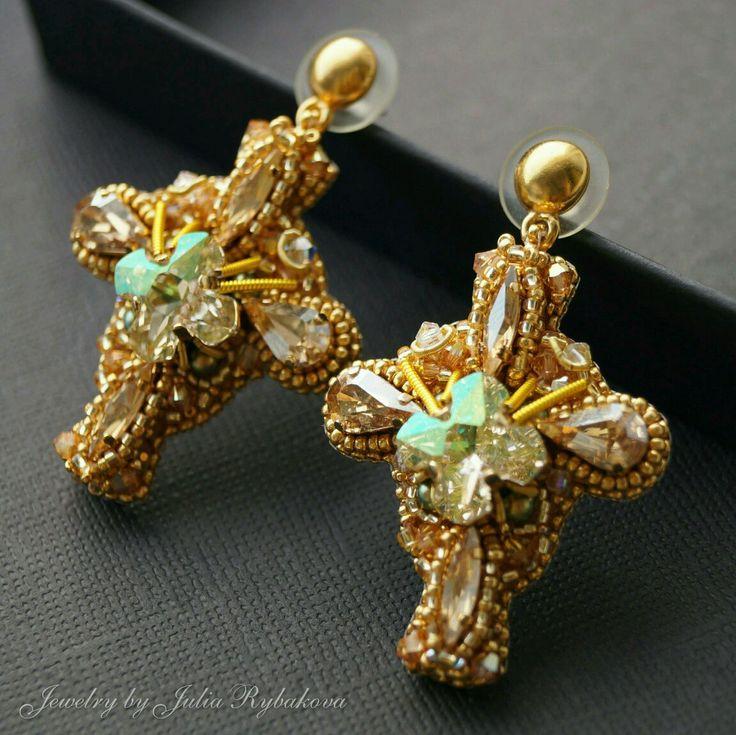 "Купить Серьги ""Даннеброг-2"" из бисера с кристаллами Swarovski. Серьги кресты - серьги крестики, beaded earrings, beadwork, golden earrings"