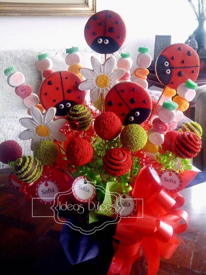 cake pops | Cupcakes y Arreglo de Cake Pops, Galletas y Masmelos para el cumple de ...