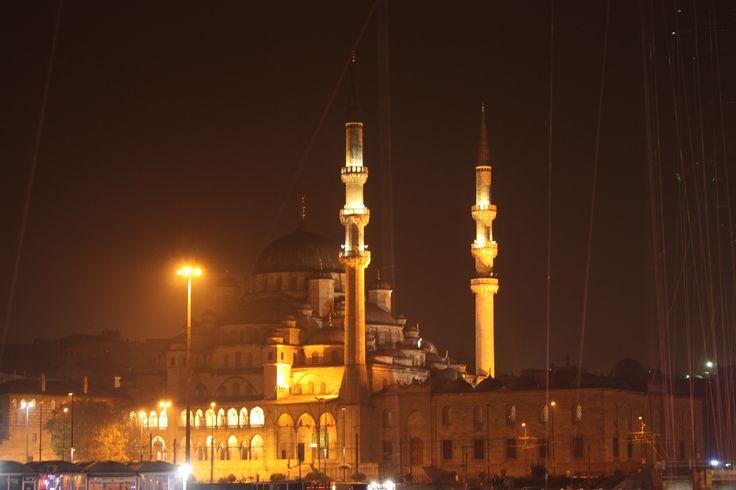 Neue Mosche beı Nacht