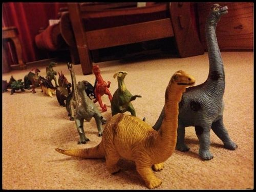 Eats Amazing -#dinovember day 4 - I wonder what are those dinosaurs up to