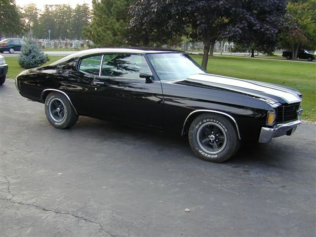I love this damn car! 1972  Chevelle SS.... if only I could afford the gas,