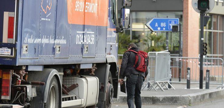 Deux migrants sauvés in extremis d'un camion frigorifique