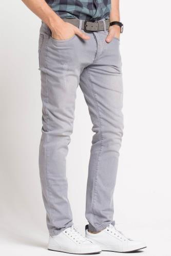 Gri pantolanlarımız bu sezon da çok moda.