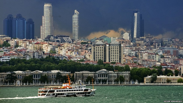 ferry in front of Dolmabahce Palace • Istanbul in pictures by Saygin Serdaroglu