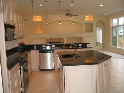 Pickled Oak Kitchen Design Ideas ~ Pickled oak cabinets has me in a pickle over wall color